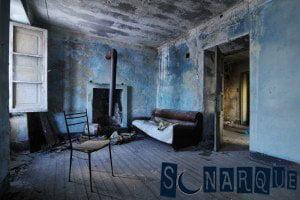 Soñar con una habitación sucia