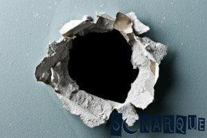 Soñar con un hoyo en la pared