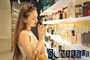 Soñar que compras perfume