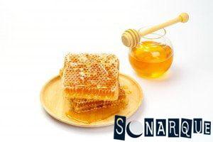 Soñando que ve miel