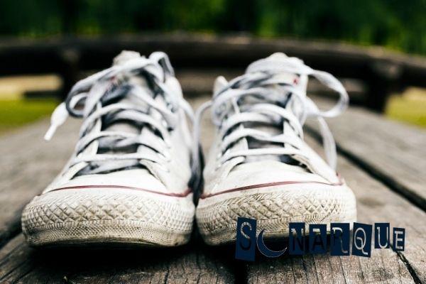 soñar con zapatos viejos